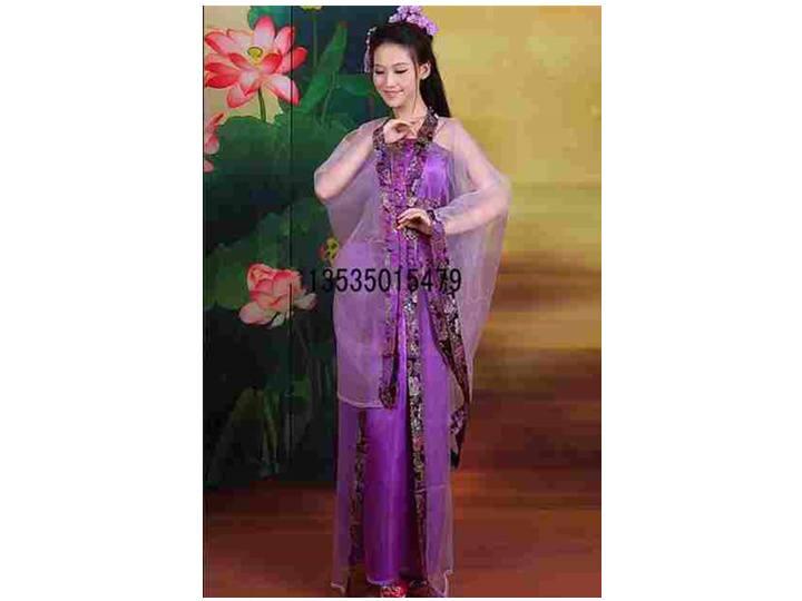 古代演出服      产 品 说 明  广州服装出租,古装戏服出租,唐朝妃子